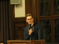 Peter bei der Fürsprache für Annika